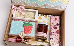 desserv monthly dessert box